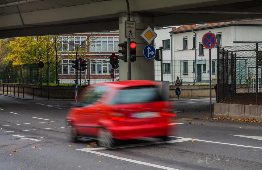 Bußgeldbescheid Rotlichtverstoß Hamburg